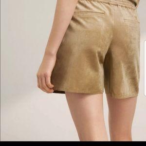 Suede light brown Babaton (Aritzia) shorts